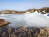 Na jezerih je še zmeraj led